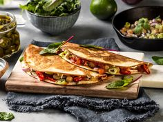 Vegetar quesadillas Frisk, Vegan Friendly, Quesadillas, Sandwiches, Tacos, Good Food, Food And Drink, Veggies, Mexican