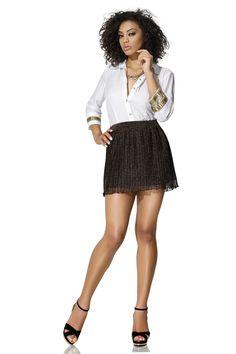Look Zunnck para sair hoje: saia com transparência + camisa bordada! Para incrementar, salto alto, claro! ;)  Perfeita para uma balada, hein?