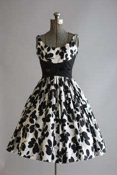Vintage 1950s Dress / 50s Cotton by TuesdayRoseVintage