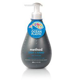 Primera botella de jabón líquido hecha con plástico del océano