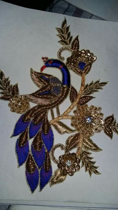 Peacock Embroidery Designs, Hand Embroidery Flowers, Embroidery Works, Gold Embroidery, Crewel Embroidery, Embroidery Patterns, Embroidery Dress, Crazy Quilting, Zardosi Embroidery