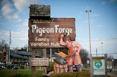 From Dollywood to Hollywood: 5 Must-Visit Attractions in Pigeon Forge ~ Pigeon Forge is packed with plenty of attractions, but it can be difficult to choose which ones to visit. From Hollywood to Dollywood, we have the scoop on which Pigeon Forge attractions are a must visit during your vacation. Here are a few of the places we have chosen... - Click the pin to read more! #PigeonForge #attractions #vacation #funtimes