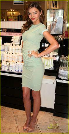 Miranda Kerr Má ružovým spodkom