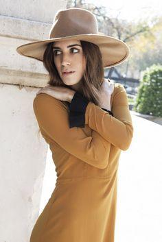 by Rubn Vega Gala Gonzalez, Reiss, Slow Fashion, High Fashion, Haute Couture Designers, Retro Photography, Vogue, Got The Look, Fashion Details