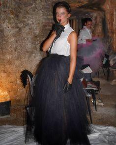 Giocando con stile ;) abito @oxanafashion  Fiore su camicetta @rinaldelli1930  Foto di Backstage.  #cappello #cappelli #hat #instalike #instafun #instalife #fashion #womenfashion #madeinitaly #livorno #madeinitaly #moda #modadonna #fascinator #artigianato #modisteria #modella #modelle #fashionphoto #accessori #stile #style #l4l #concorso #modella #modelle #bellezza #model #girl
