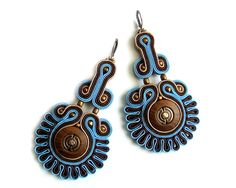 Soutache statement earrings (or studs or clip earrings) elegant, unusual and perfect for jeans - Kin Soutache Pendant, Soutache Necklace, Pendant Earrings, Clip On Earrings, Statement Earrings, Metal Beads, Jewelry Trends, Earrings Handmade, Beaded Jewelry