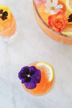 Carrot and Gin Punch / Party Punch Recipes / Easy Cocktail Recipes / Gin Cocktails / Easy Entertaining