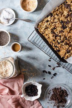 Healthy Banana Bread, Healthy Sugar, Sugar Free Granola, English Food, Toasted Coconut, Perfect Breakfast, Dark Chocolate Chips, Food Photography, Plate