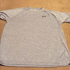 Men's Under Armour heat gear Tshirt Used, men's under Armour heat gear Dri fit Tshirt -grey Under Armour Tops Tees - Short Sleeve