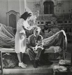Lovers and fighters: Robert Capa's best second world war photography | Art and design | theguardian.com