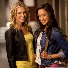 Gia and Emma Power Rangers Samurai, Power Rangers Rpm, Pink Power Rangers, Pawer Rangers, Power Rangers Megaforce, Divas, Spider Gwen Cosplay, Superhero Tv Shows, Tv Girls