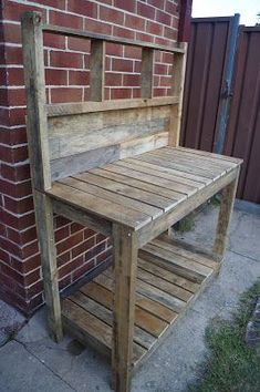 Make Your Own Potting Bench From Old Pallets . Pallet Potting Bench With Sink Dilatatori Biz Pallet . DIY Recycled Wood Pallet Potting Bench And Tool Holder . Home and Family Pallet Garden Benches, Pallet Patio, Diy Pallet, Patio Bench, Pallet Projects, Pallet Ideas, Work Benches, Bench Swing, Outdoor Pallet