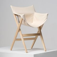 Chair inspired by camping furniture. By Jasper Morrison for Italian brand Mattiazzi