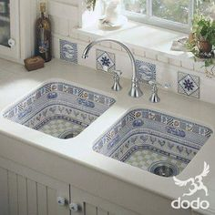 Home Discover The Sustaining Power of Blue and White Porcelain.custom designed blue and white sink. Make Kitchen Look Bigger Kitchen Sink Design Kitchen Tile China Kitchen Kitchen Small Kitchen Colors Kitchen Basin Nice Kitchen Kitchen Dishes House Styles, House Design, Sweet Home, Make Kitchen Look Bigger, Kitchen Sink Design, Beautiful Kitchens, House Interior, Sink, Home Deco