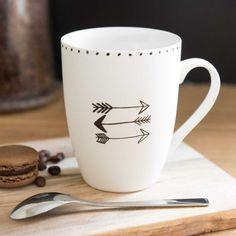 Mug motif flèche en porcelaine NAGAWIKA                                                                                                                                                                                 Plus