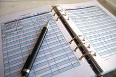 Freebie zum Ausdrucken: Haushaltsbuch führen ist lästig, aber auch sehr hilfreich. Vor allem, wenn am Ende des Geldes immer noch zu viel Monat übrig ist.