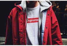 Me gusta la marca Supreme. Me siento muy supremo entre el mundo de la moda cuando lo llevo