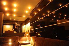 Impressionen aus dem Reichenbach: Verschlossene Tür und eine Klingel:  Bar Reichenbach, die Münchner Cocktailbar mit Stil. Empfohlen von HIP HIT HURRA! Cocktails, Drinks, Aperitif, Live Jazz, Ausgehen in München