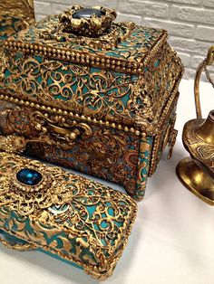 1 million+ Stunning Free Images to Use Anywhere Antique Jewelry, Vintage Jewelry, String Crafts, Antique Boxes, Idee Diy, Altered Boxes, Treasure Boxes, Jewel Box, Casket