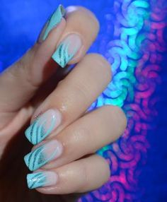 NAIL ART FRENCH ZEBREE