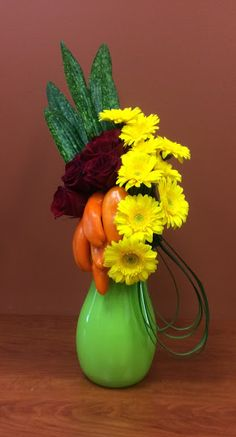 Flower Arrangement, Floral Arrangements, Garden Club, Flower Show, Floral Designs, Ikebana, Flower Crafts, Orange, Yellow