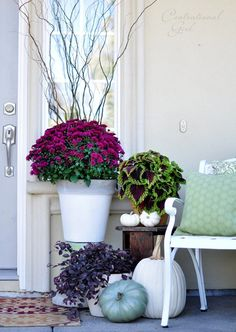 LOVE this September porch decor - mix of fall elements and beautiful jewel tones | Centsational Girl