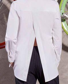 Camasa eleganta dama EVA, are un croi drept, nasturi in fata, iar in spate este usor despicata. Se poate purta atat cu pantaloni conici, blugi cu talie inalta sau fuste conice, asigurandu-ti un outfit modern si urban. Urban, Outfit, Modern, Pants, Fashion, Outfits Fo, Trousers, Moda, Fashion Styles
