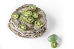Sweet, bio and delicious: Pancake Veg di canapa sativa con baby kiwi