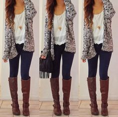 Uultimate casual fashion Oversize cardigan, white shirt, denim skinnies and long boots