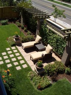Get our best landscaping ideas for your backyard and front yard, including landscaping design, garden ideas, flowers, and garden design. Small Backyard Landscaping, Backyard Garden Design, Backyard Pergola, Patio Design, Landscaping Ideas, Pavers Ideas, Patio Privacy, Fence Design, Rustic Backyard