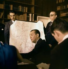 JK salientava a localização estratégica do DF para a integração nacional . Decada de 60. Fictional Characters, Anos 60, Fantasy Characters