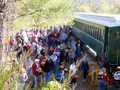 The Orchard Train Ride In Iowa That's Perfect For A Fall Day