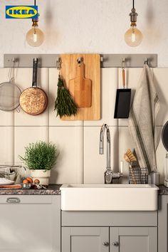 Häng Unordnung in der Küche endlich an den Haken! 🧑🍳 Home And Living, Vanity, Clutter, Ikea Kitchen, Ad Home, Dressing Tables, Powder Room, Vanity Set, Single Vanities