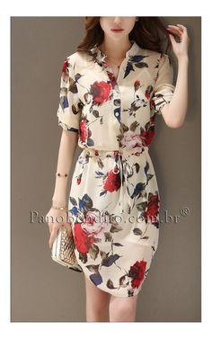 Lindo vestido estampado com rosas vermelhas. Delicado e suave para o dia a dia ou eventos.
