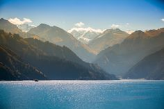 """Tianchi, a """"heavenly lake"""" in the Tianshan Mountainsавтор: Fotopedia Editorial Team"""