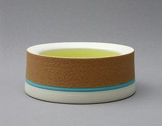 2004 / Ceramics by Gerlach van Beinum at Studiopottery.co.uk - Piece from former collections:   Porcelain; dry ash-glaze; glossy glaze
