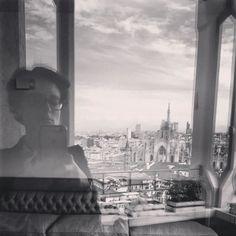 #milanosopraitetti #milanonelcielo #milano #milanodavedere #milanomia #milanosilenziosa #milanoperpochi by uranioduecentotrentacinque