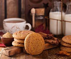 Μπισκότα κανέλας | Συνταγή | Argiro.gr - Argiro Barbarigou Pumpkin Soup, Pumpkin Spice, Pastry Cook, Greek Sweets, Snicker Doodle Cookies, School Snacks, Pumpkin Decorating, Fall Recipes, Fotografia