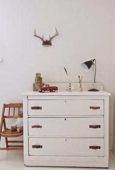 56 Ideas Boys Bedroom Furniture Makeover Drawer Pulls For 2019 Grey Bedroom Furniture Sets, Bedroom Furniture Makeover, Baby Nursery Furniture, Diy Furniture, Painted Furniture, Diy Leather Handle, Diy Leather Drawer Pulls, Baby Nursery Diy, Diy Baby