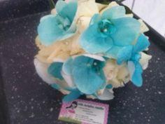 Orquideas azuis rosas brancas
