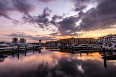 Un tranquilo #paseo por la extensa Marina de Vallarta te brindará una tarde perfecta. Foto de Santiago Almada (Flickr)