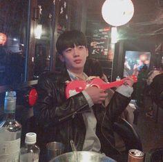 Want to be a tiny guitar in his hand 🌚 First Boyfriend, My Future Boyfriend, Hot Korean Guys, Korean Men, Beautiful Boys, Pretty Boys, Yohan Kim, Another Love, Kpop