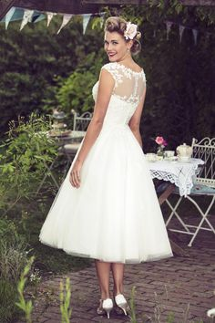 Wondering what is all about tea length wedding dresses? Get to know more tea length wedding dresses illusion cap sleeve lace and tulle rustic country wedding dress tea length . Elegant Wedding Gowns, Country Wedding Dresses, Wedding Dress Trends, Tulle Wedding, Wedding Reception, Ivory Wedding Dresses, Rockabilly Wedding Dresses, Wedding Frocks, Wedding Dressses