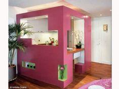 Petite cuisine que l'on peut intégrer dans un petit studio. Permet d'isoler visuellement les plans de travails tout en gardant une ouverture