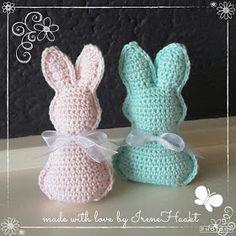 DutchLittleDots - Irene Haakt: Paashaasjes Easter Crochet Patterns, Crochet Bunny, Crochet For Kids, Crochet Crafts, Crochet Yarn, Crochet Toys, Crochet Projects, Free Crochet, Crochet Animals