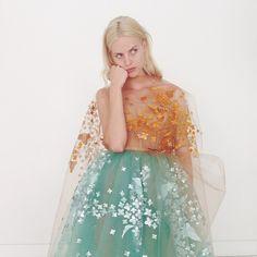 Julia Frauche in Delpozo Fashion Art, Runway Fashion, High Fashion, Womens Fashion, Fashion Design, Modern Fashion, Paris Fashion, Piel Natural, Delpozo