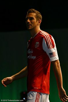 Eric Brunner---Soo attractive! Also, a good defender!
