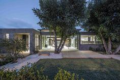 Galería de Casa desnuda / Jacobs-Yaniv Architects - 10