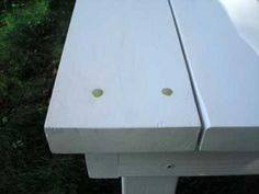 Bench-Detail-400