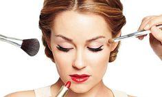 Confira 8 truques infalíveis de maquiagem! Acesse: https://pitacoseachados.wordpress.com #pitacoseachados